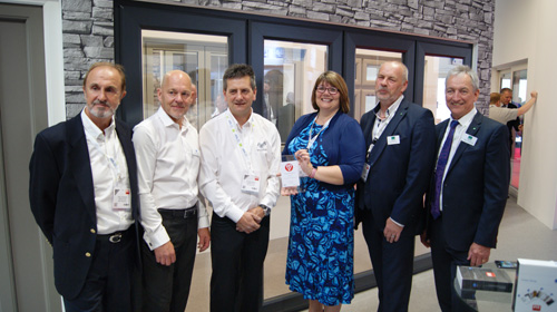 L-R: Neil Ingram (Invisifold), Steve Bakewell (Veka), Steve Smith (Invisifold), Lorraine Balch (BSI), Rob Norman (VBH), Peter Rowlands (VBH)