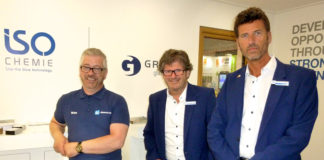 Iso-Chemie's Andy Swift (right) and Nick Thompson (centre) with Kommerling's sales director, Brian MacDonald